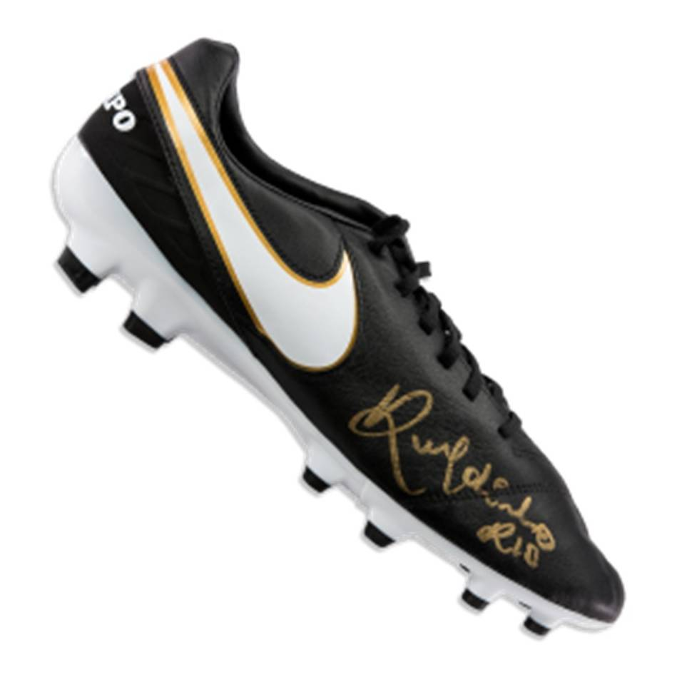 mainRonaldinho Signed Boot0