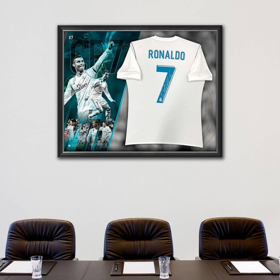 mainCristiano Ronaldo Signed Real Madrid Jersey1