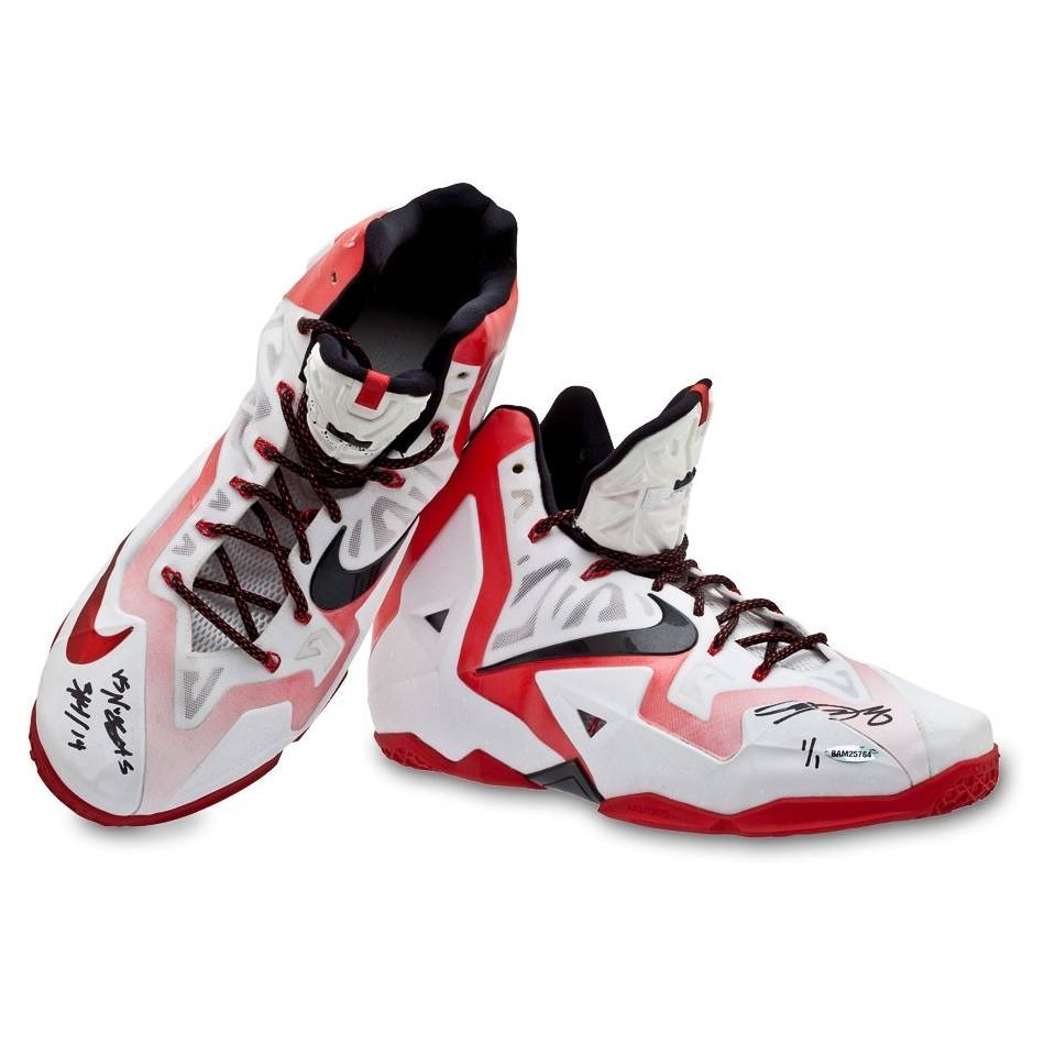 mainLeBron James Signed Match-Worn Shoes (vs Nuggets, 03/14/14)0