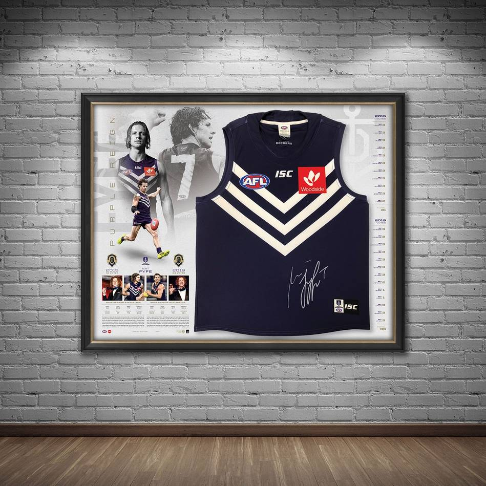 mainNat Fyfe Signed 2019 Brownlow Medal Guernsey1