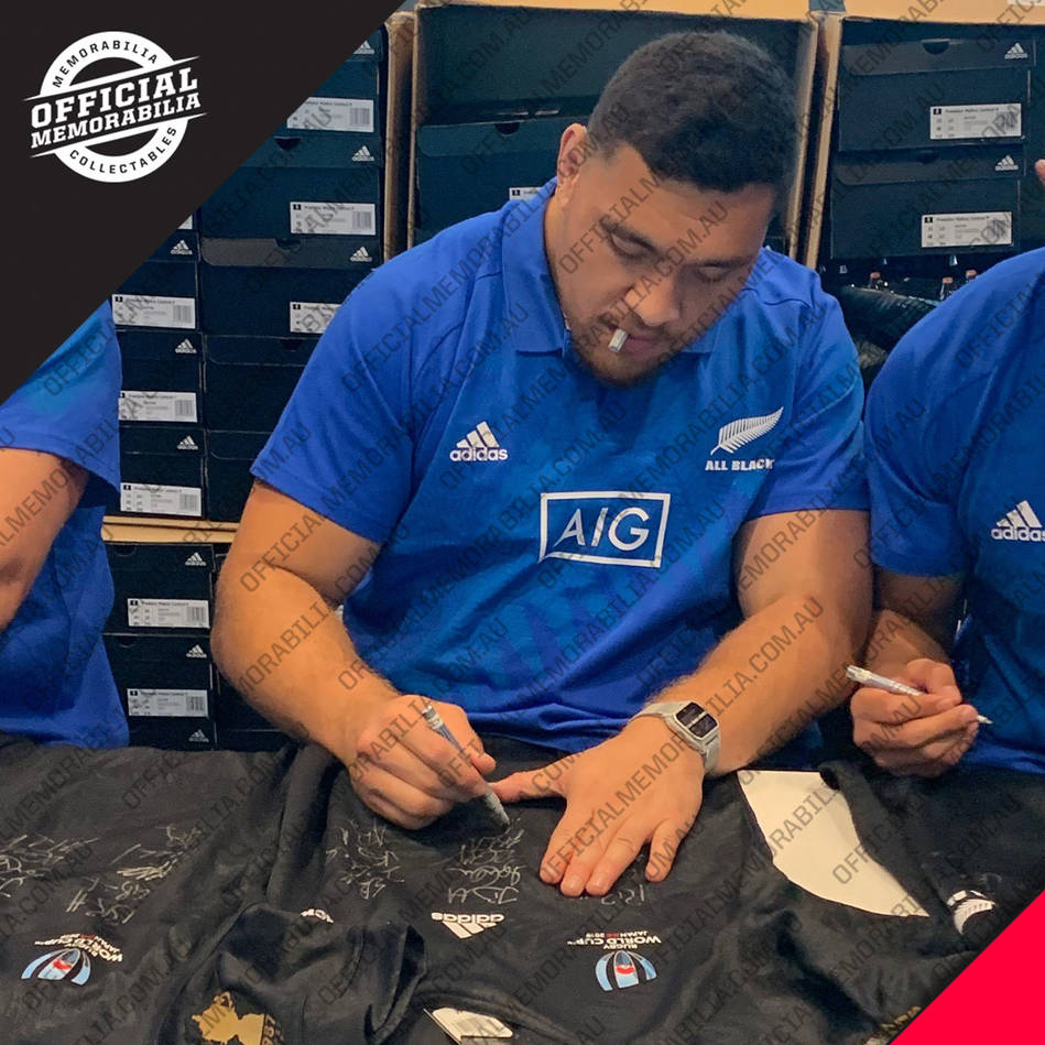 mainNZ ALL BLACKS 2019 Squad Signed Jersey4