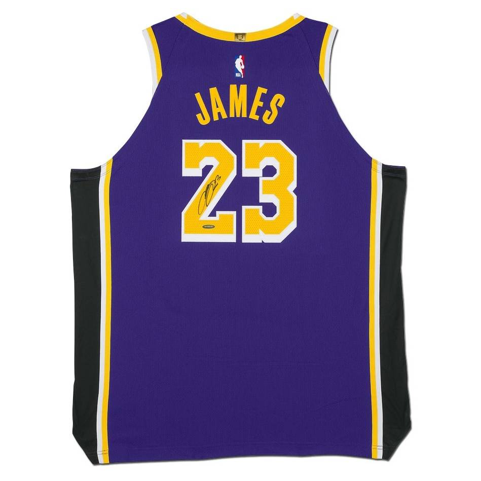 LeBron James Signed Los Angeles Lakers Purple Jersey0