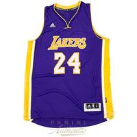 Kobe Bryant Signed Los Angeles Lakers Jersey1