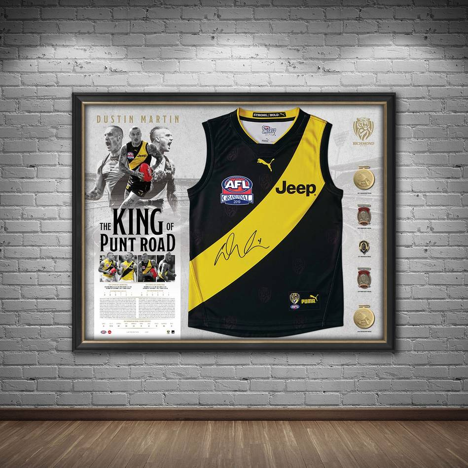 mainDustin Martin Signed Deluxe Guernsey Display1