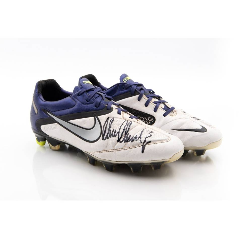 mainMarc Murphy Signed Match-Worn Boots2