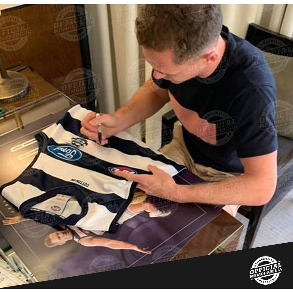 mainJoel Selwood Signed Captain Courageous Guernsey Display1