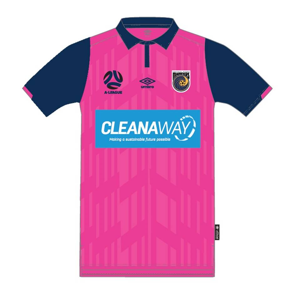 Alou Kuol #29 Central Coast Mariners 2021 Signed Player-Issue Pink Jersey0