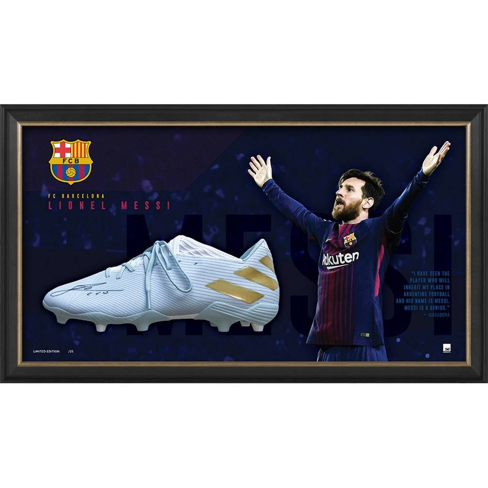 Lionel Messi Signed Boot Display0