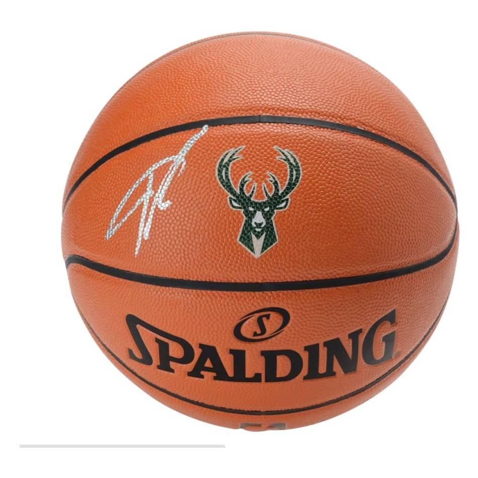 mainGiannis Antetokounmpo Milwaukee Bucks Signed Spalding Basketball0