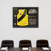 RICHMOND 2017 PREMIERS TEAM SIGNED 'A YEAR TO REMEMBER'1
